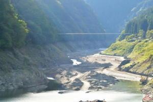 秩父湖吊り橋 f56.2mm