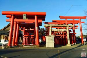 小泉稲荷神社の鳥居