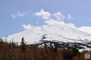 富士山五合目から見た頂上